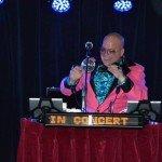 Disco Royaal in actie DJ voor Rotterdam en omstreken. Disco DJ 70's, 80's, foute hits en een (inter) actieve DJ. Altijd feest bij DiscoRoyaal.nl partyjock Dimitri Visch DJ Rotterdam Disco Royaal DiscoRoyaal