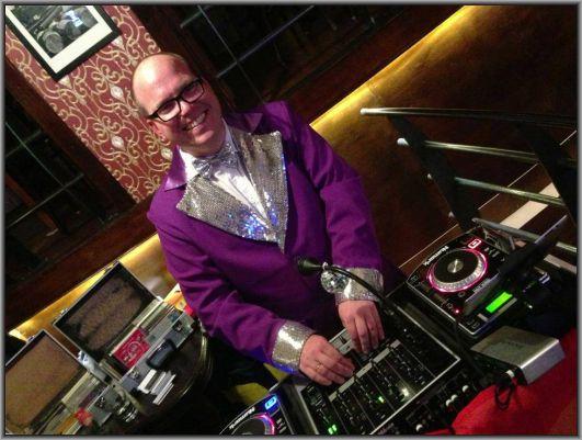 Partyjock DJ Dimitri Visch in actie